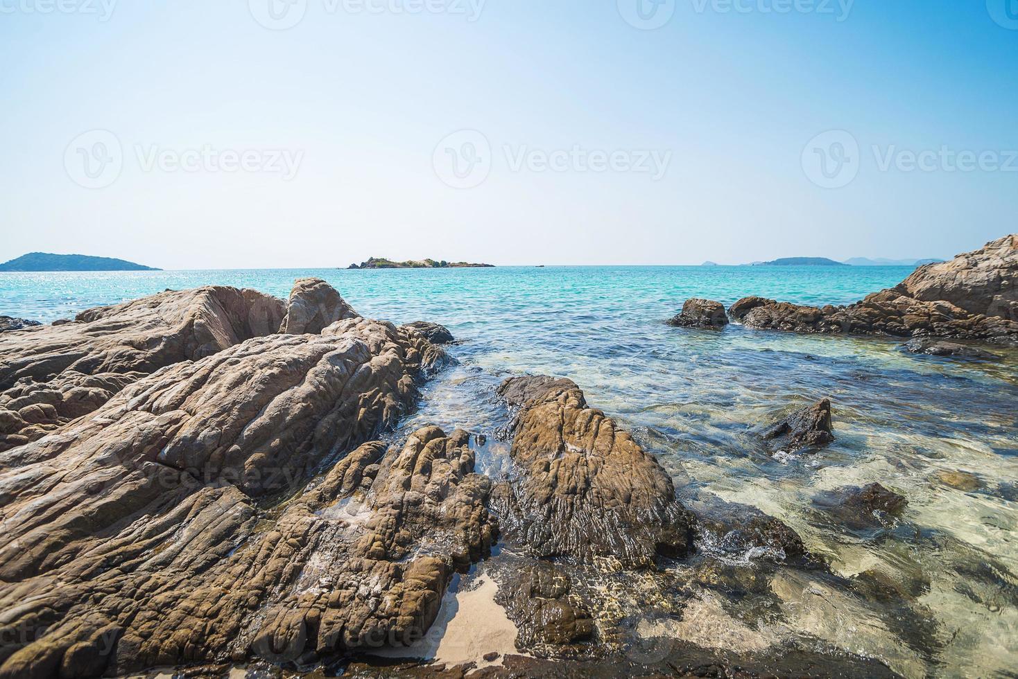 mer plage ciel bleu sable soleil lumière du jour photo