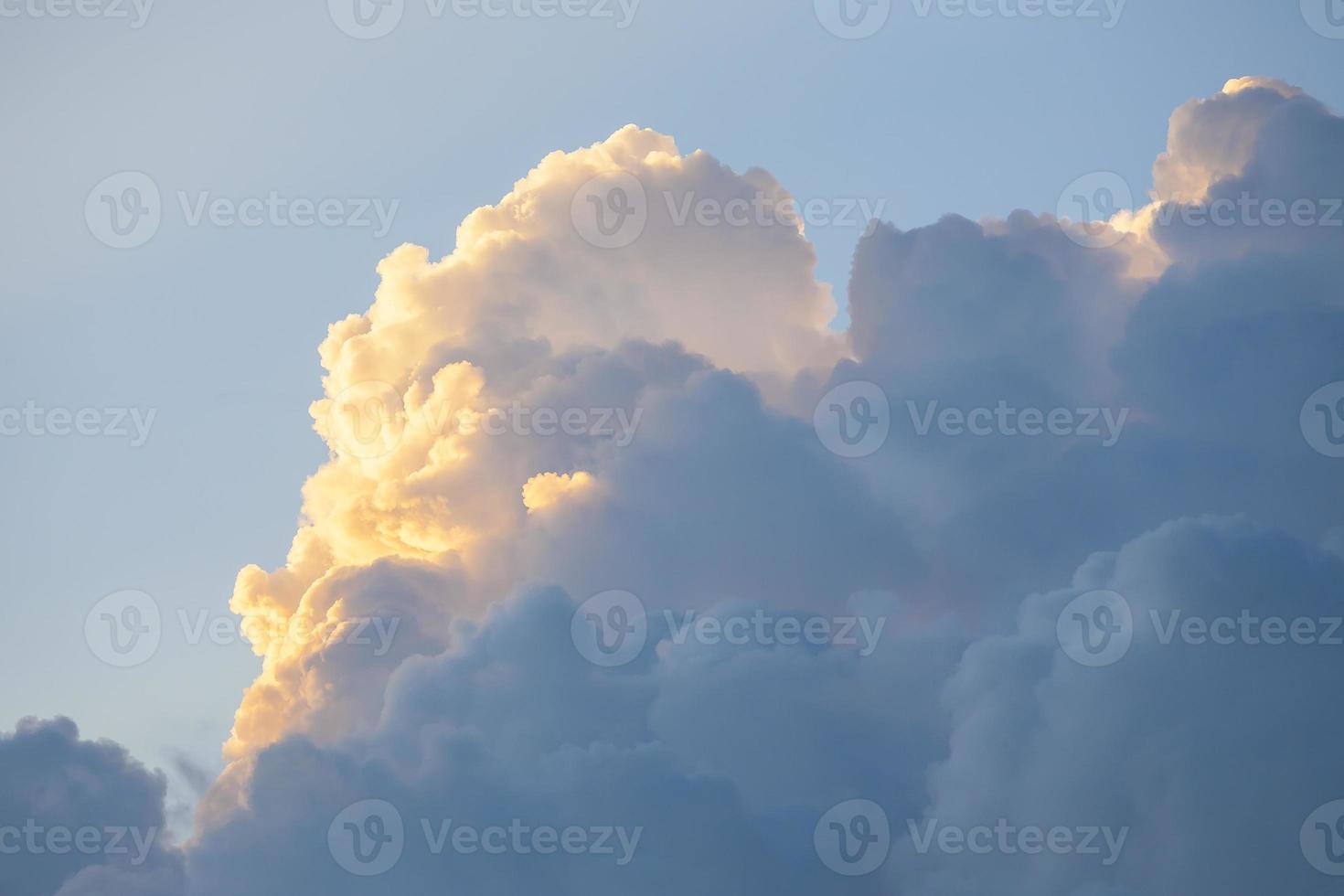 nuages, scène romantique. photo