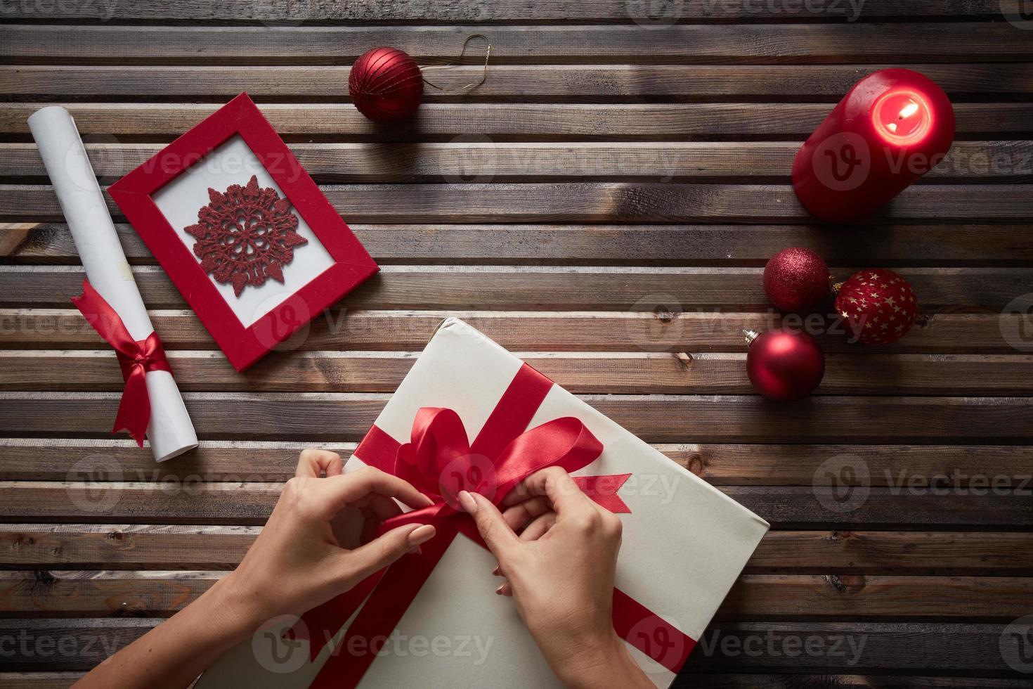 préparer le cadeau de Noël photo