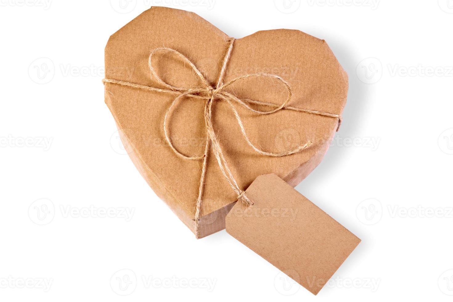 paquet coeur isolé sur blanc photo