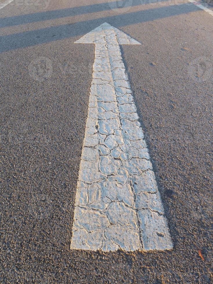 flèche sur route photo