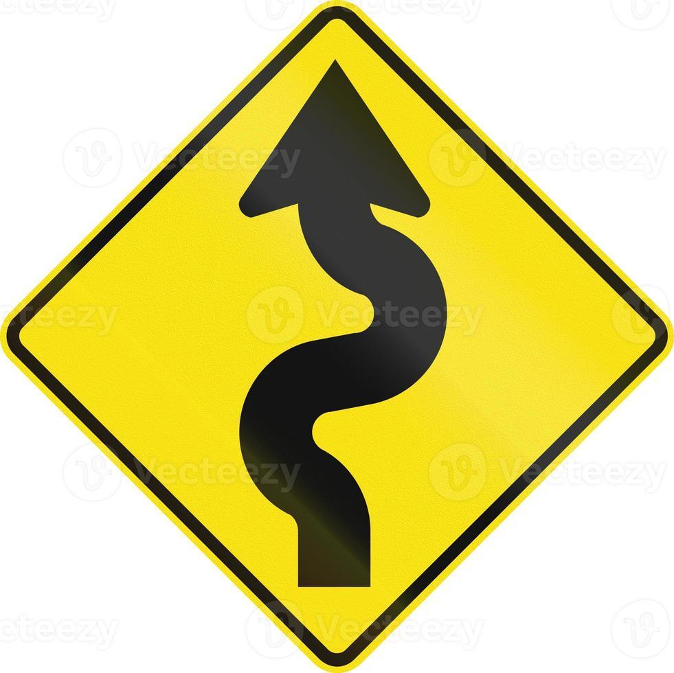 route sinueuse à gauche en australie photo
