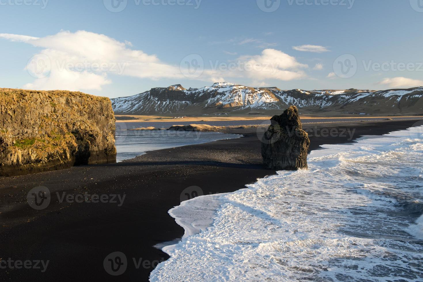 Dyrholaey, près de Vik, Islande, Europe du Nord photo