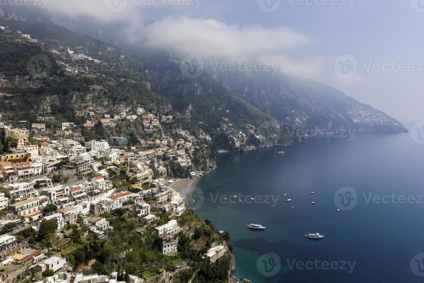 Village de Positano sur la côte amalfitaine, Italie photo