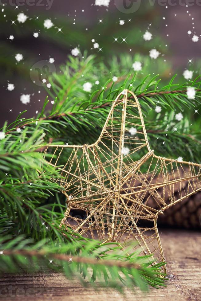composition décorative de Noël sur fond de bois photo