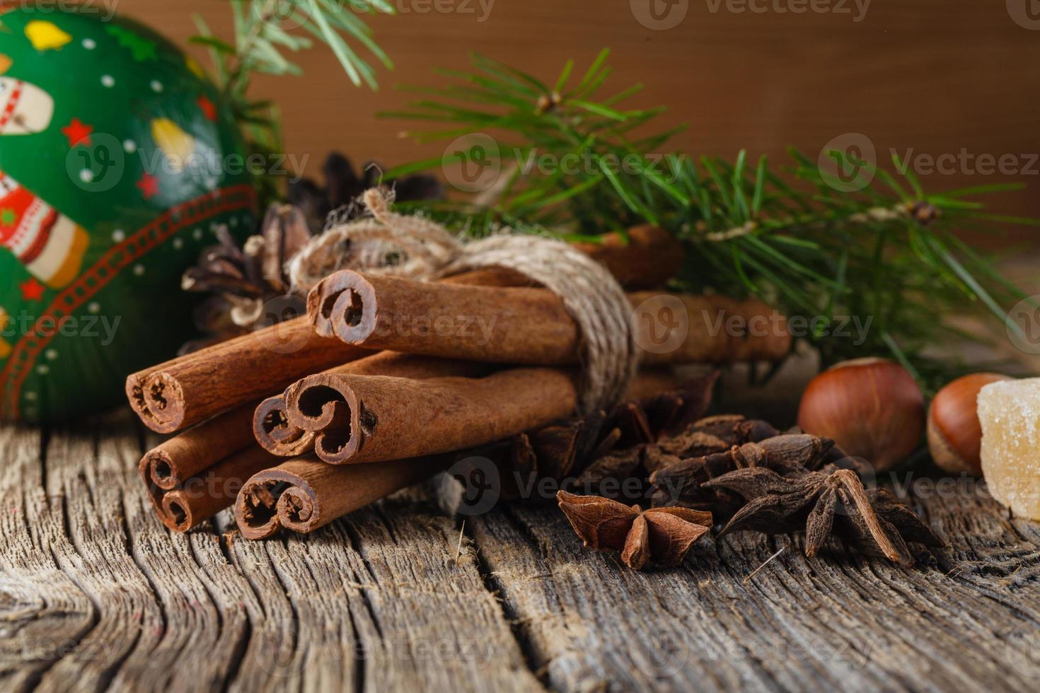 épices de Noël, cannelle, anis photo