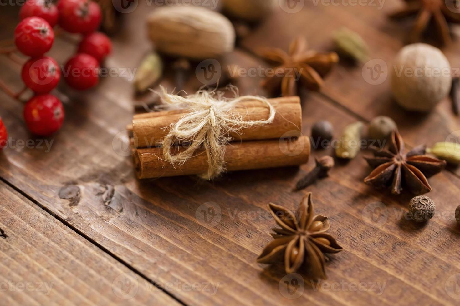 collection d'épices pour vin chaud et pâtisserie photo