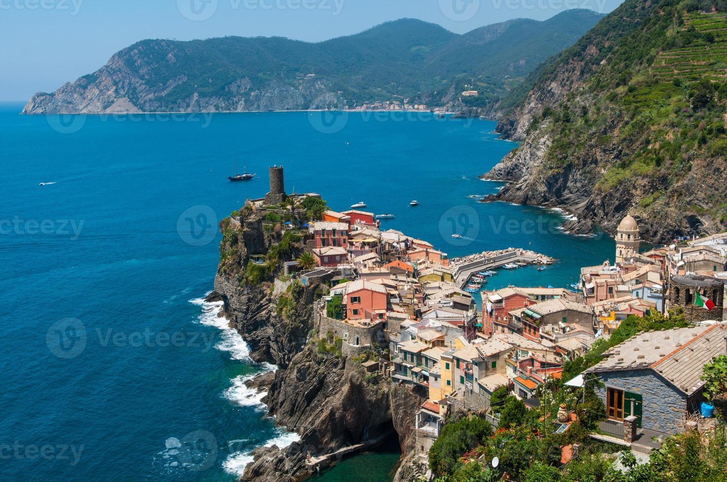 vernazza cinque terre italie photo