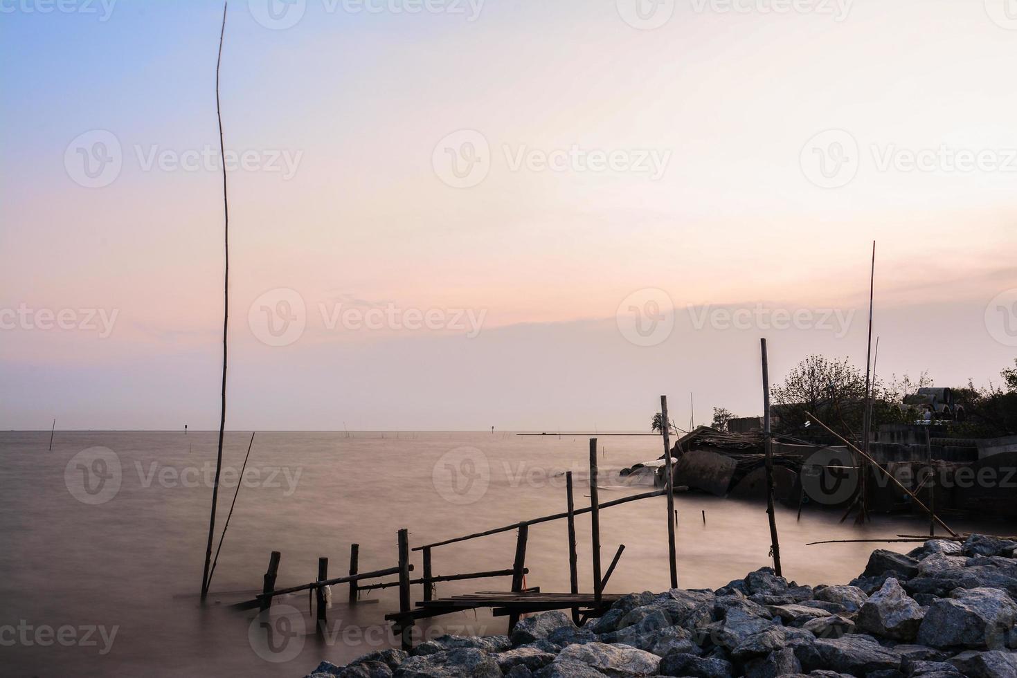 Mer au crépuscule à Bangpu, Thaïlande photo