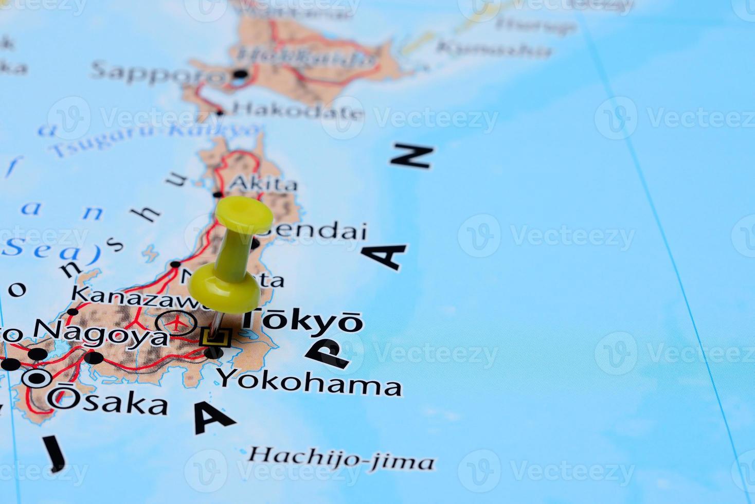 tokyo épinglée sur une carte de l'asie photo