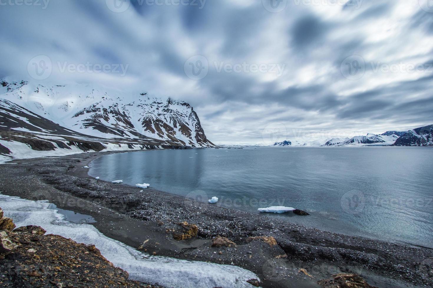 printemps arctique dans le sud du Spitzberg. photo