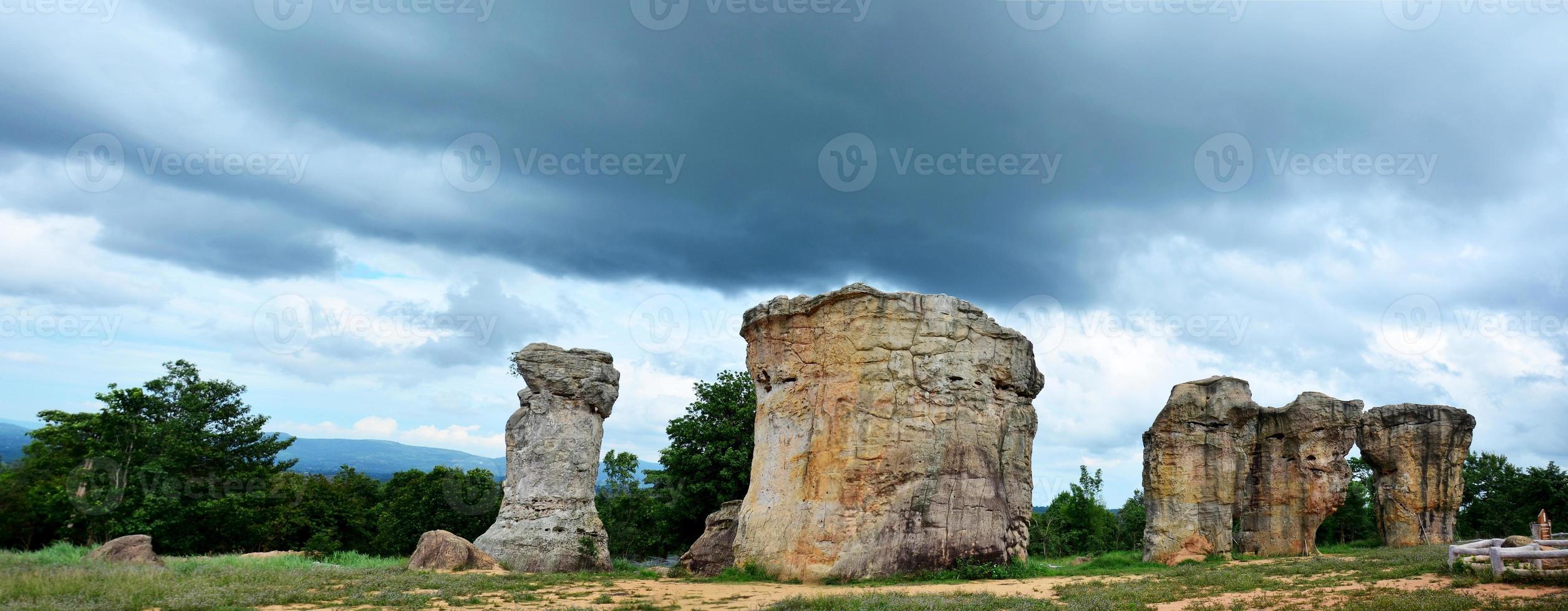 Mor Hin Khao Stonehenge de Thaïlande photo