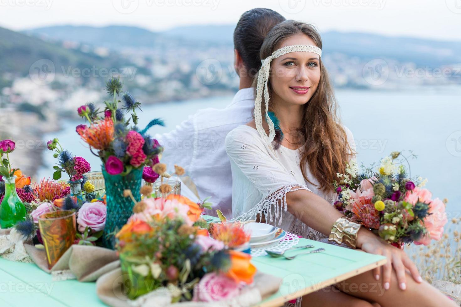 fille avec un style boho bouquet de mariage photo