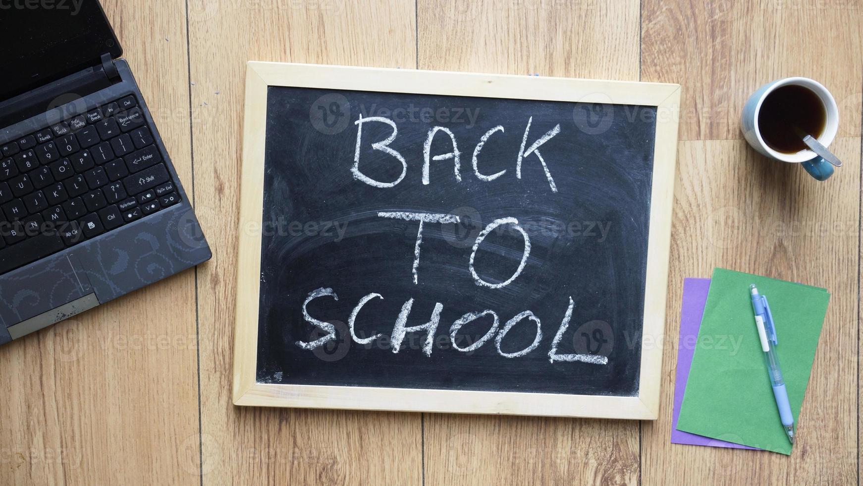 retour à l'école écrit photo