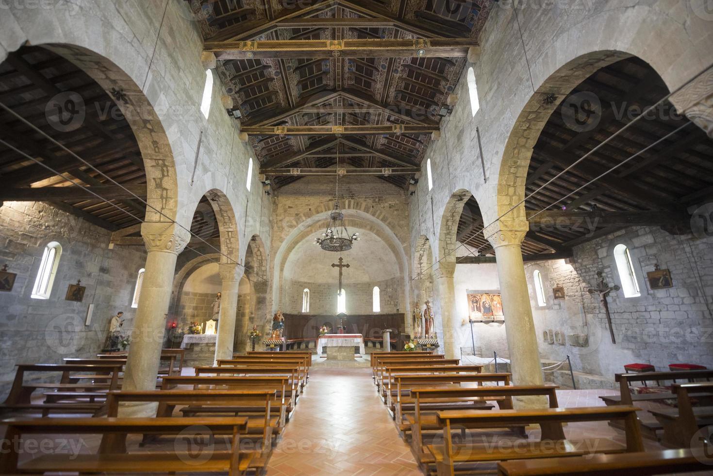 codiponte (toscane), église médiévale photo