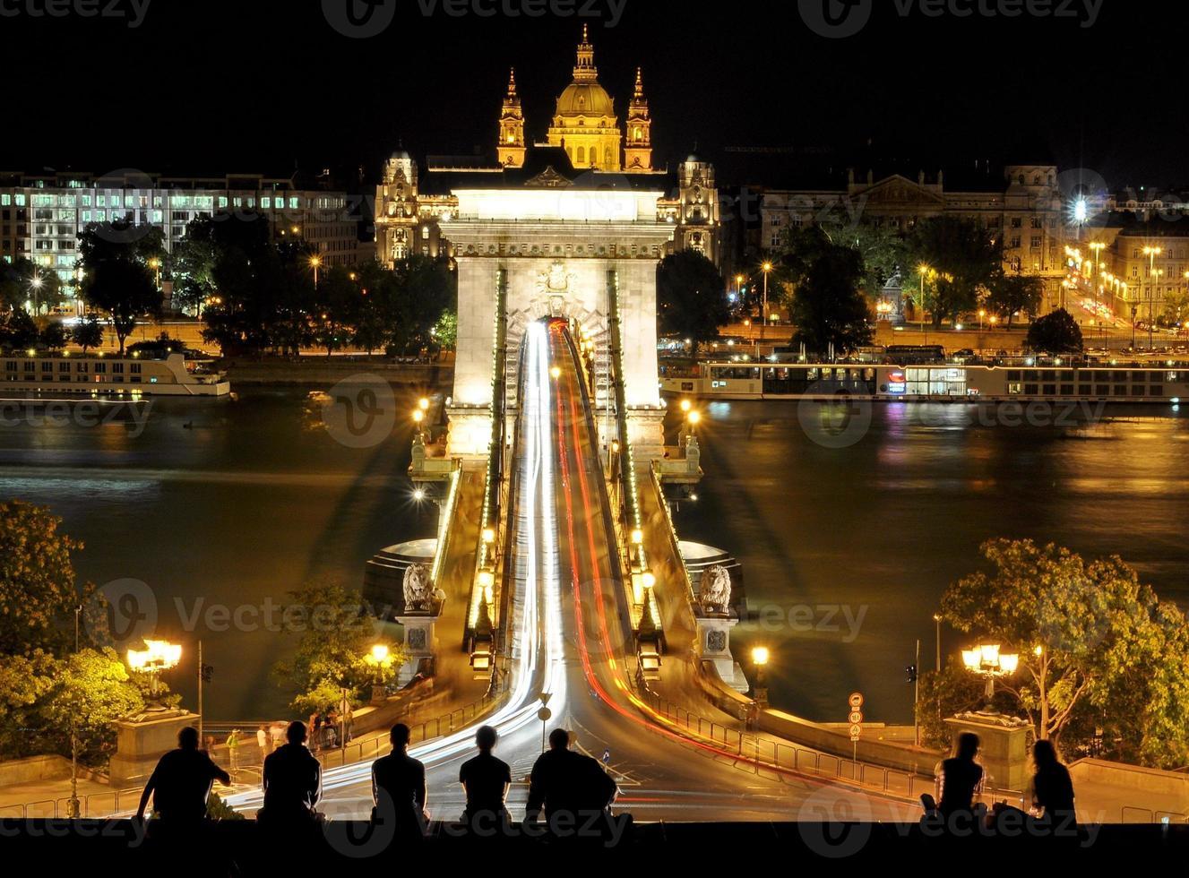 Pont des chaînes de la ville de budapest photo