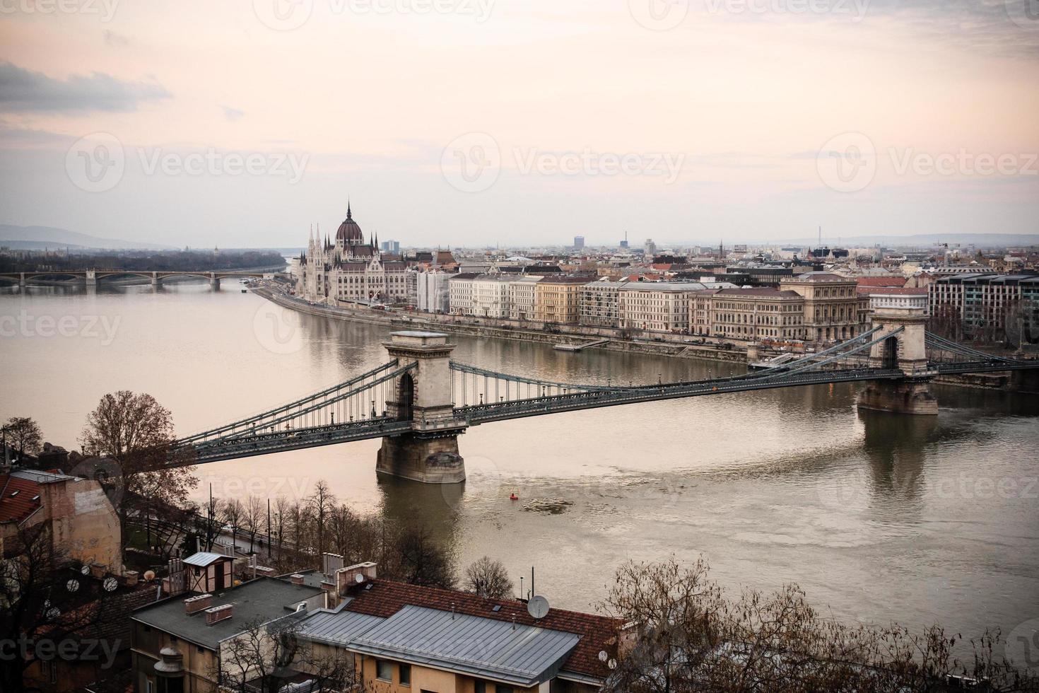 pont des chaînes, budapest photo