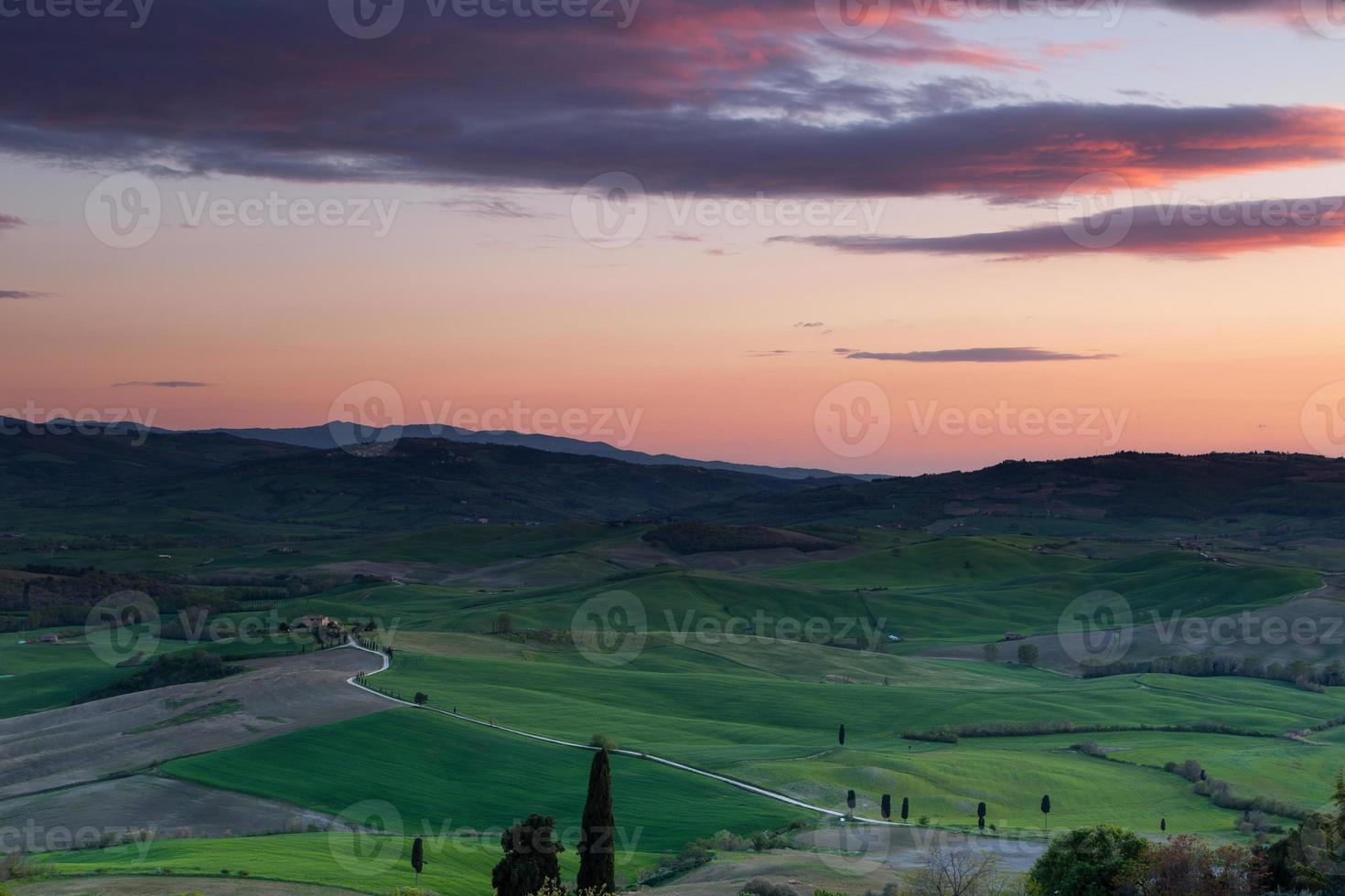 lever du soleil en toscane, italie photo
