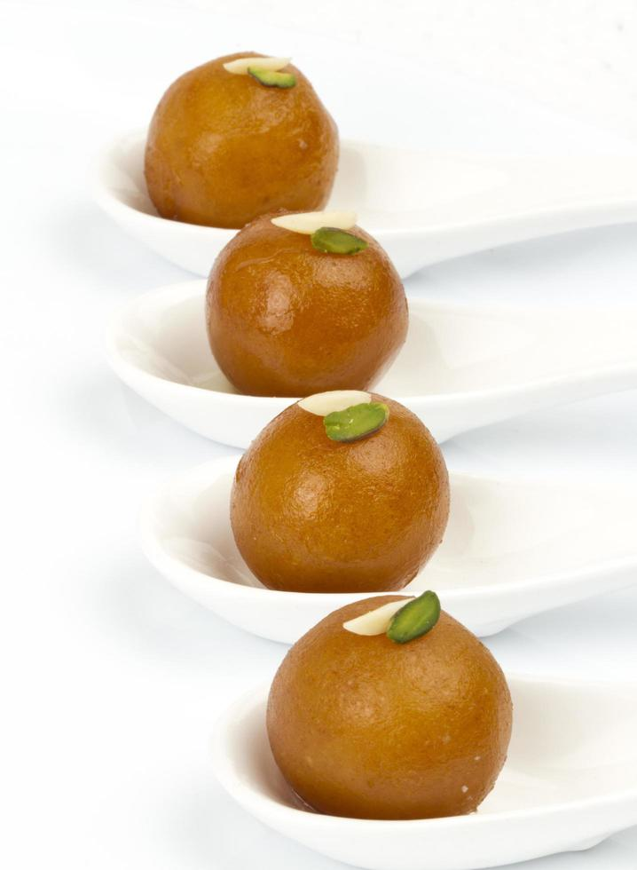 boules de pâte frites gulab jamun photo