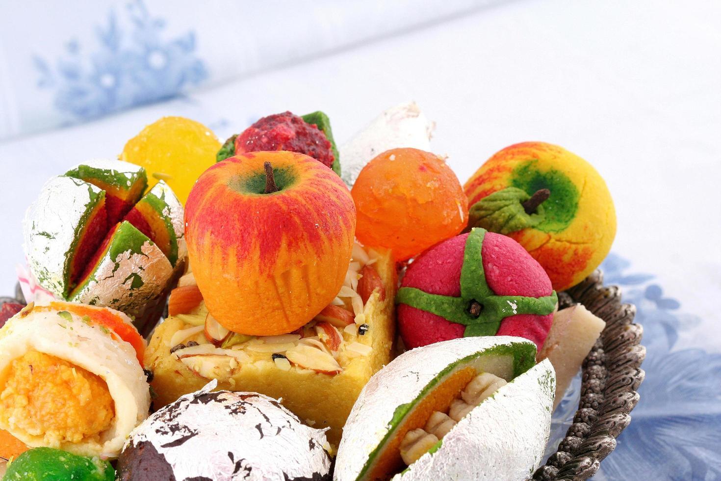 corbeille de fruits indienne photo
