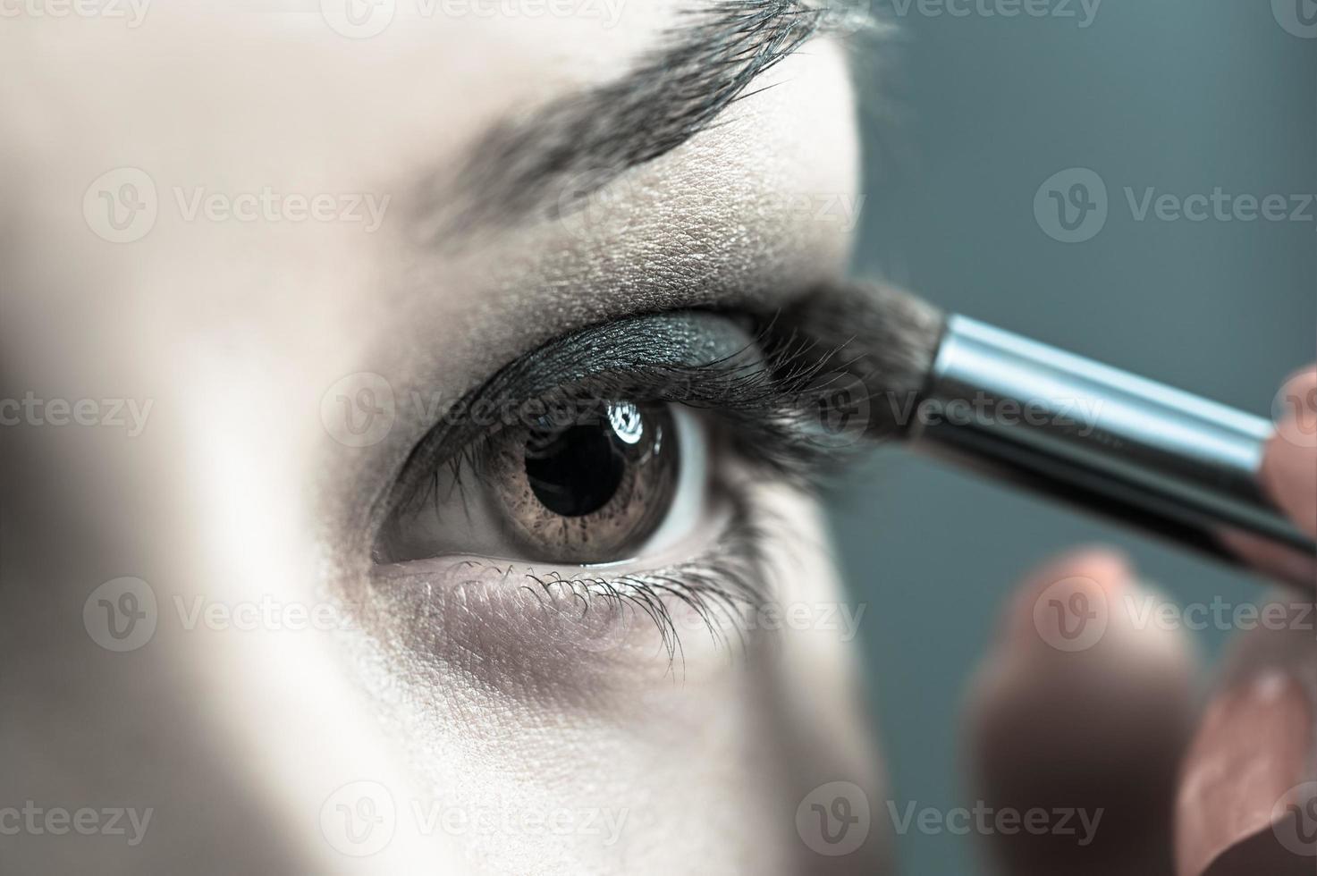 appliquer un maquillage parfait photo