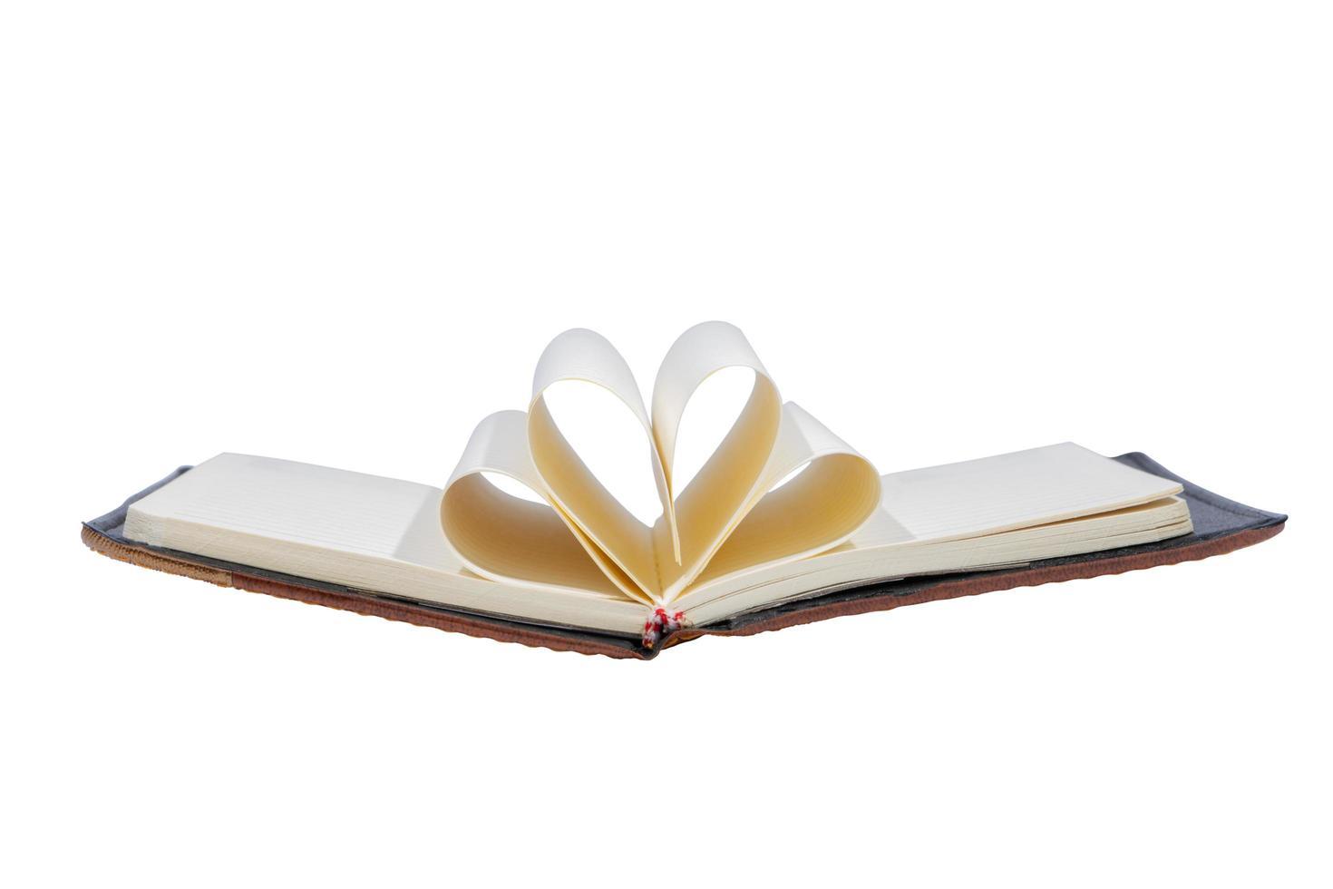 livre ouvert sur fond blanc photo