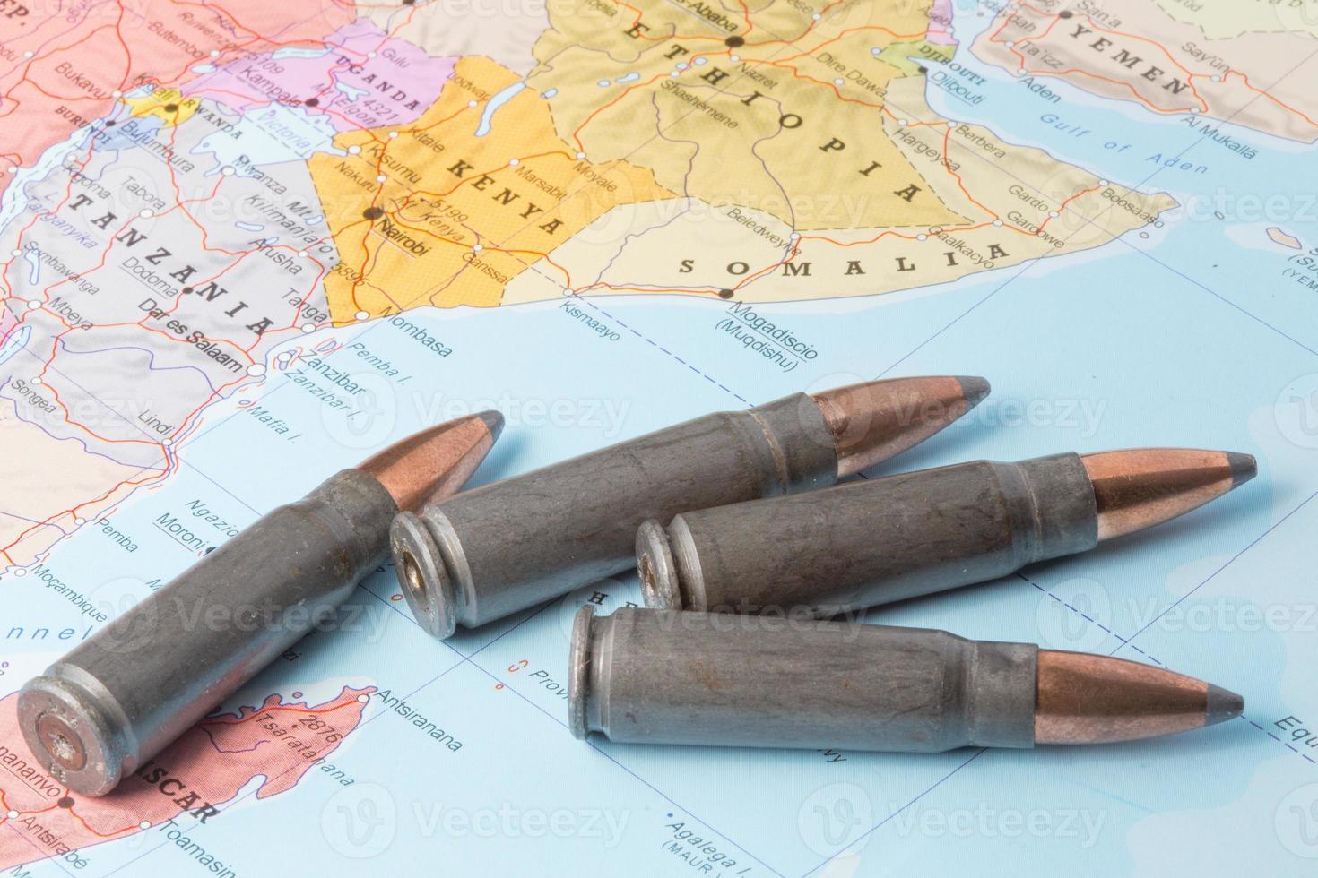 balles sur la carte de l'afrique de l'est photo