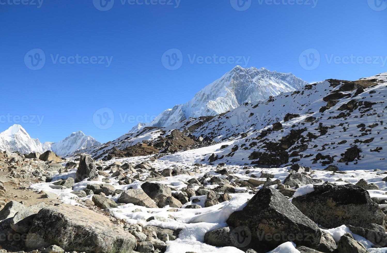 sommet du pic mehra à côté de l'Everest photo