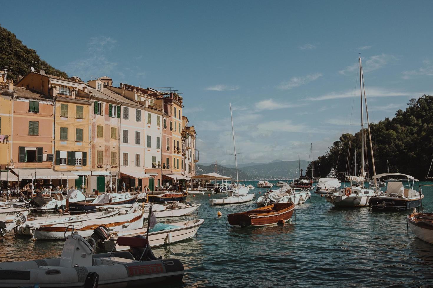 Marina di Portofino, Italie, 2020 - bateaux amarrés dans la marina photo