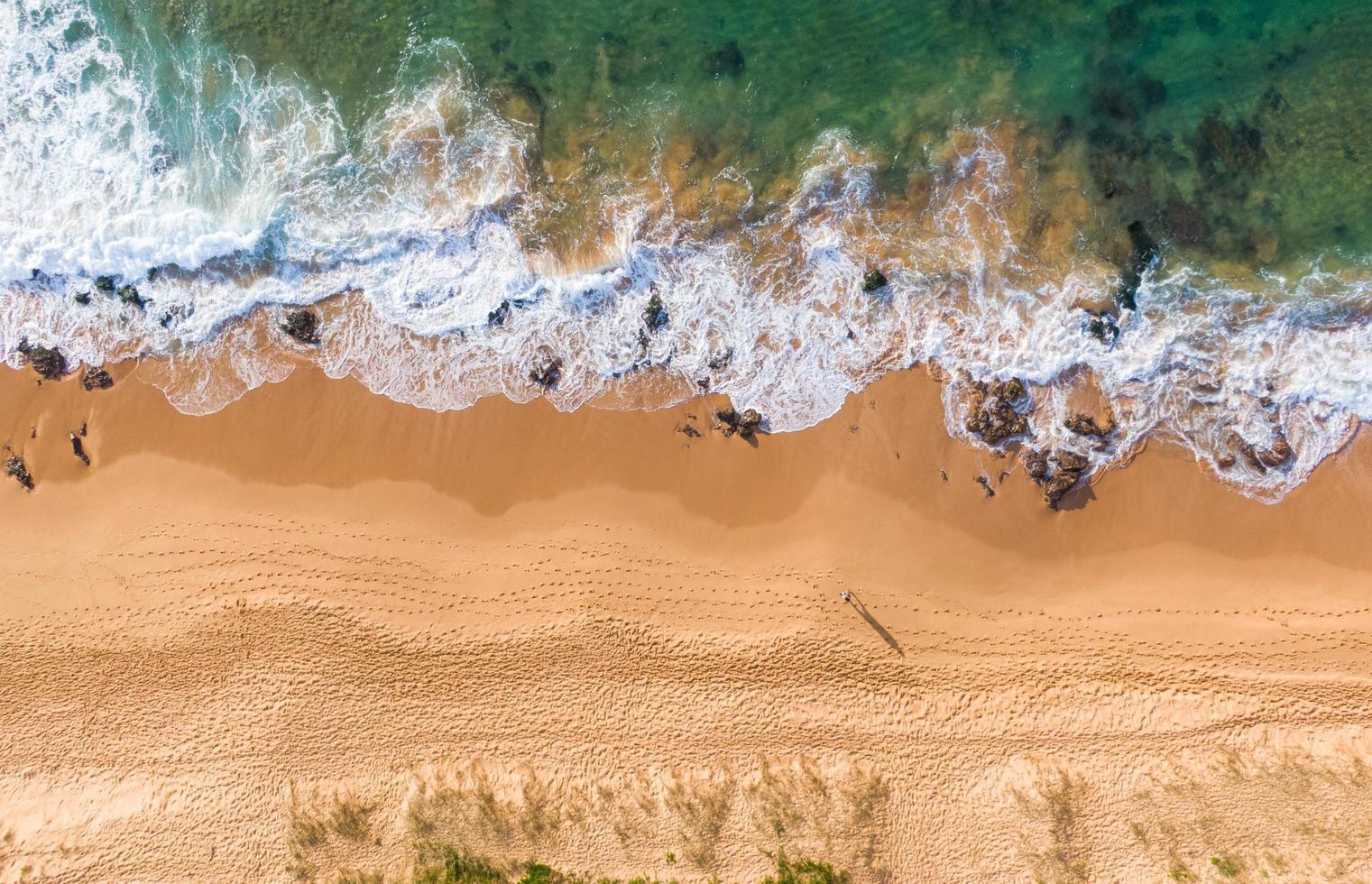 vue aérienne de la plage pendant la journée photo