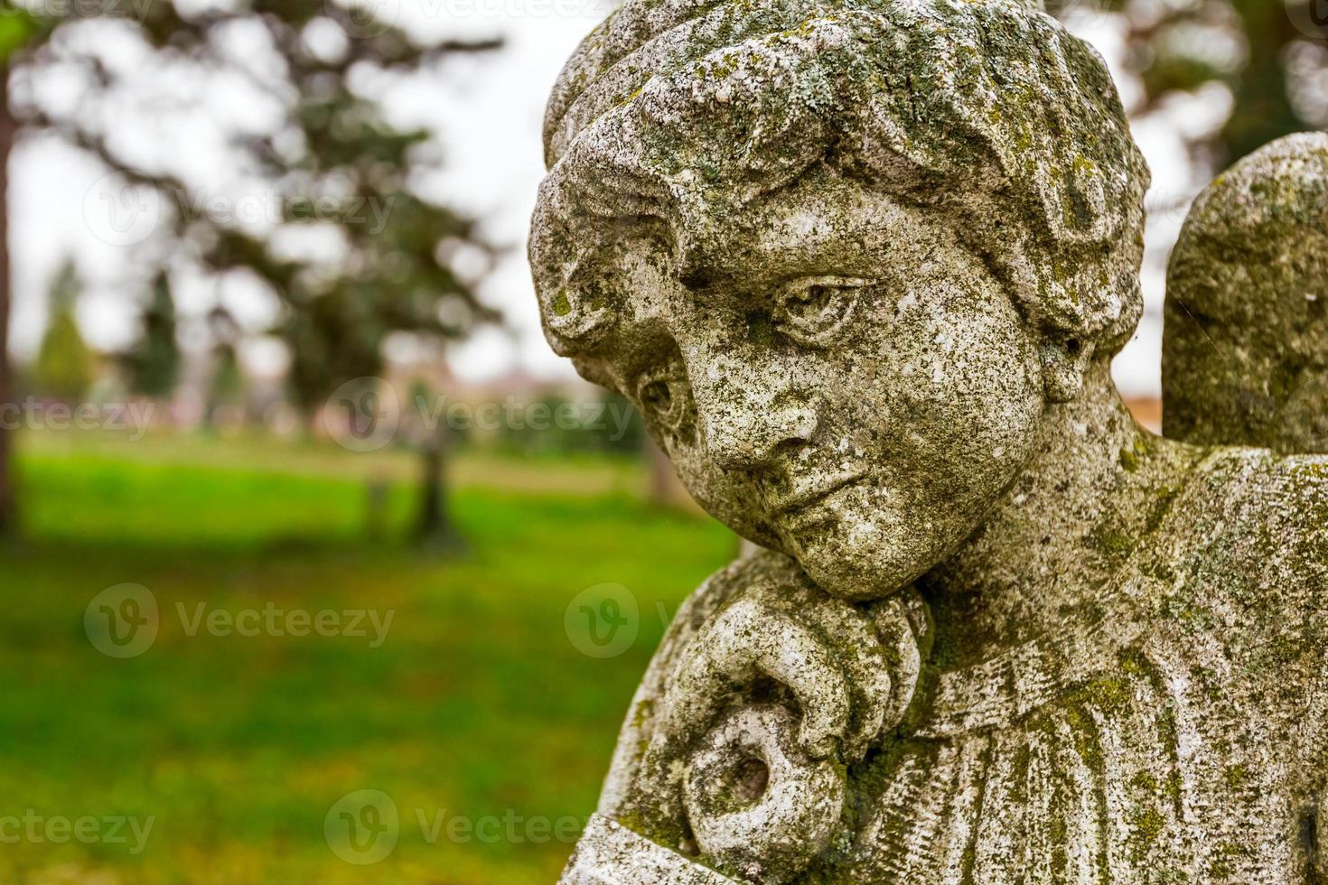 portrait d'un ange triste photo