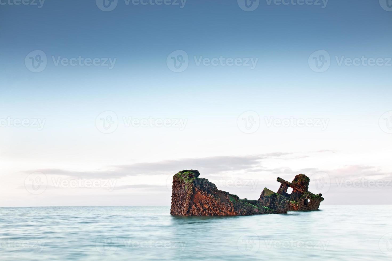 navire submergé photo