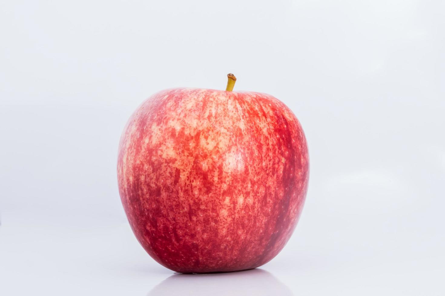 pomme sur fond blanc photo