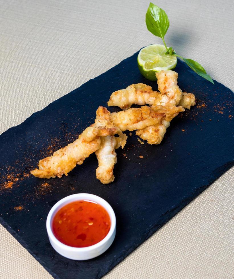 calamars avec sauce chili photo