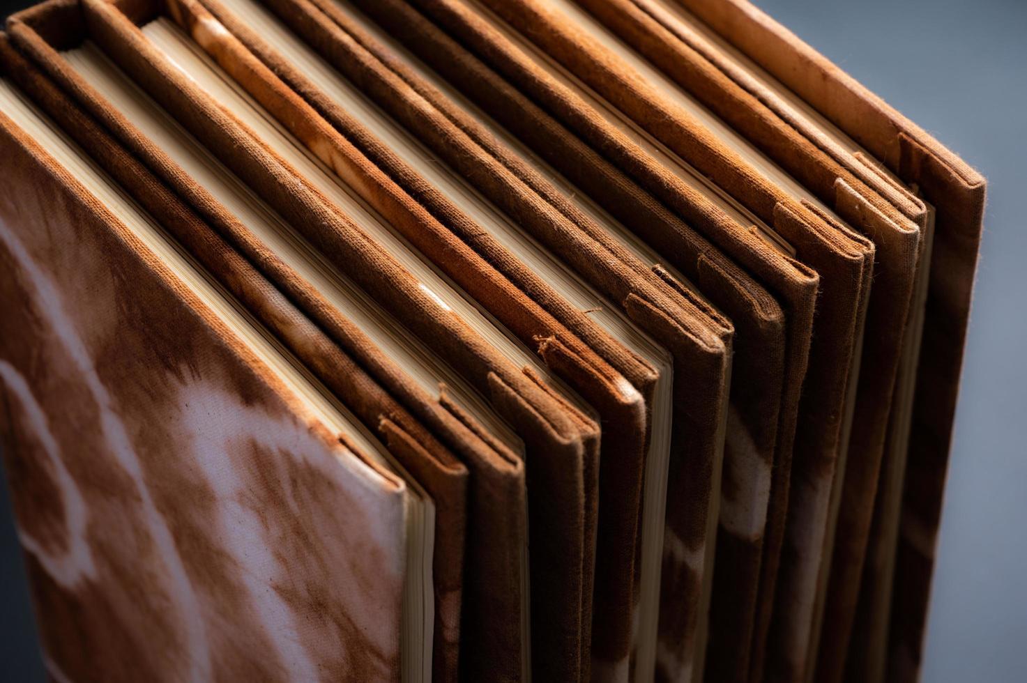 cahiers teints naturels à la main photo