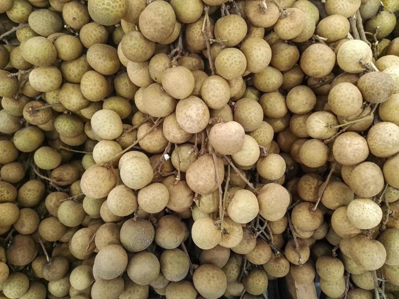 groupe de fruits tropicaux longane photo