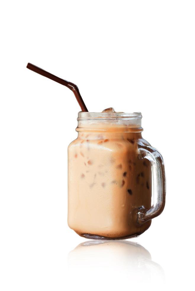 café glacé isolé sur fond blanc photo