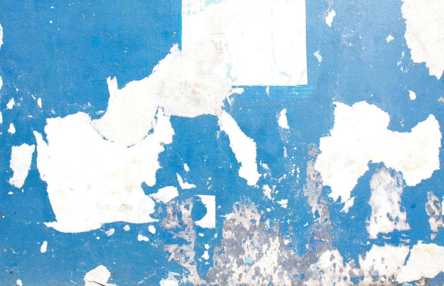 peinture écaillée bleue photo