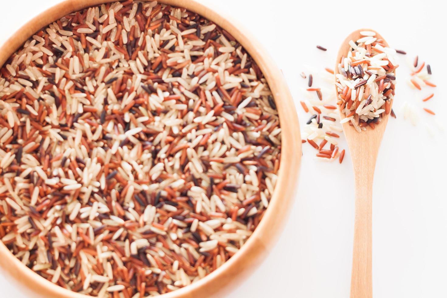 vue de dessus du riz dans un bol photo