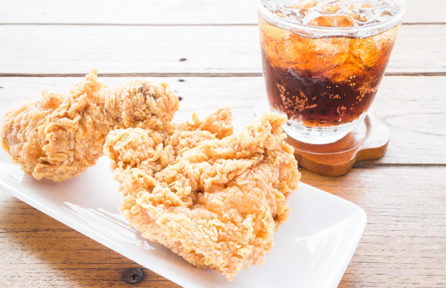 poulet frit et coca photo