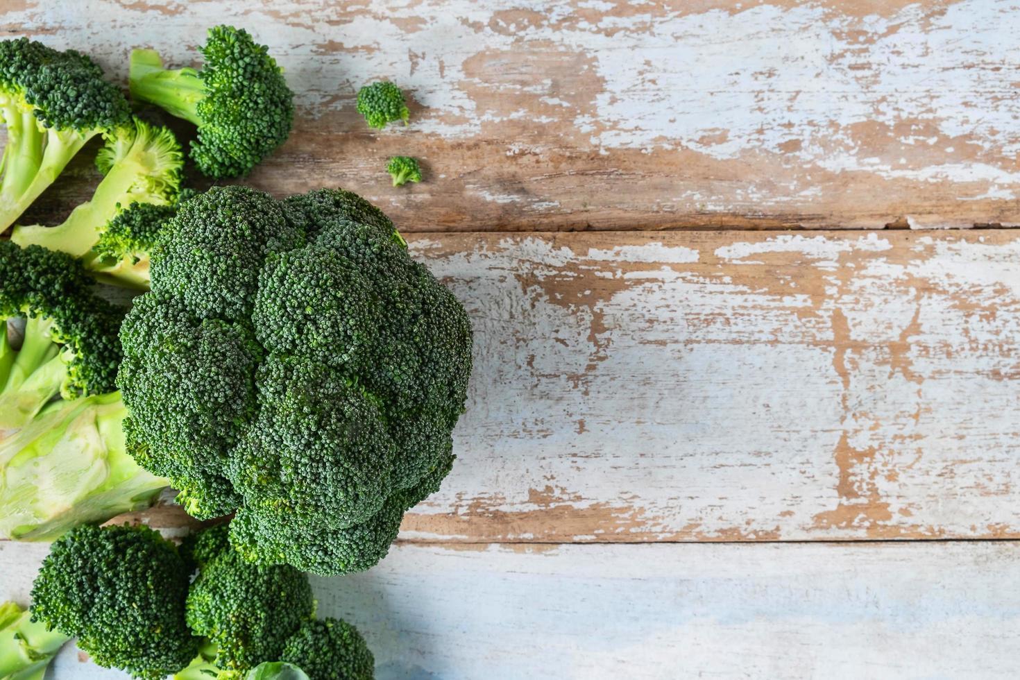 brocoli cru frais photo
