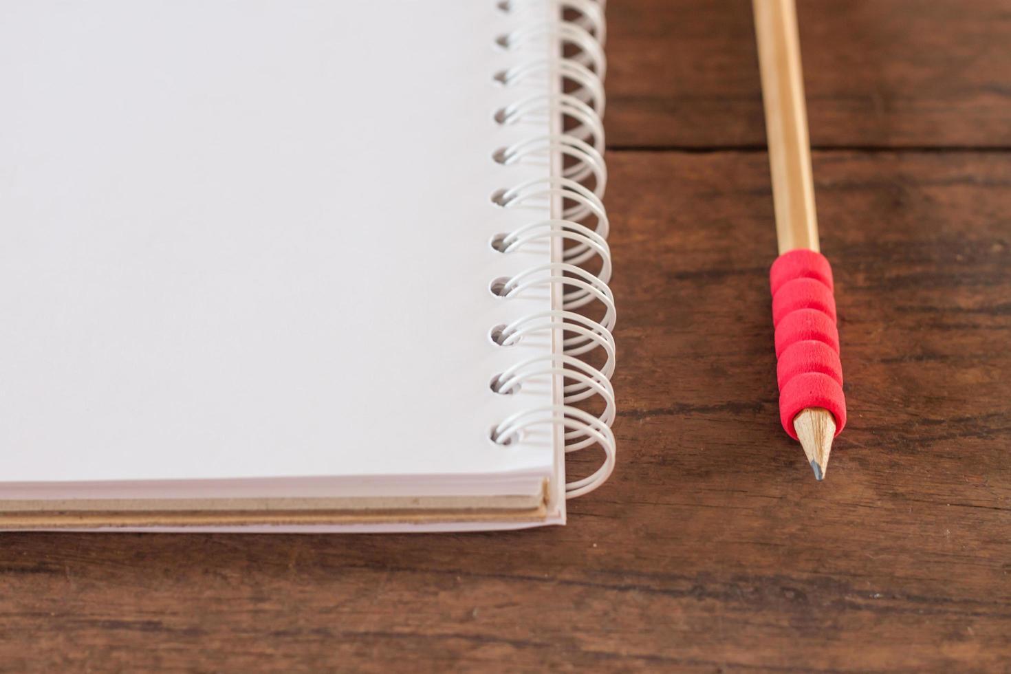 gros plan, de, a, crayon rouge, et, a, cahier photo
