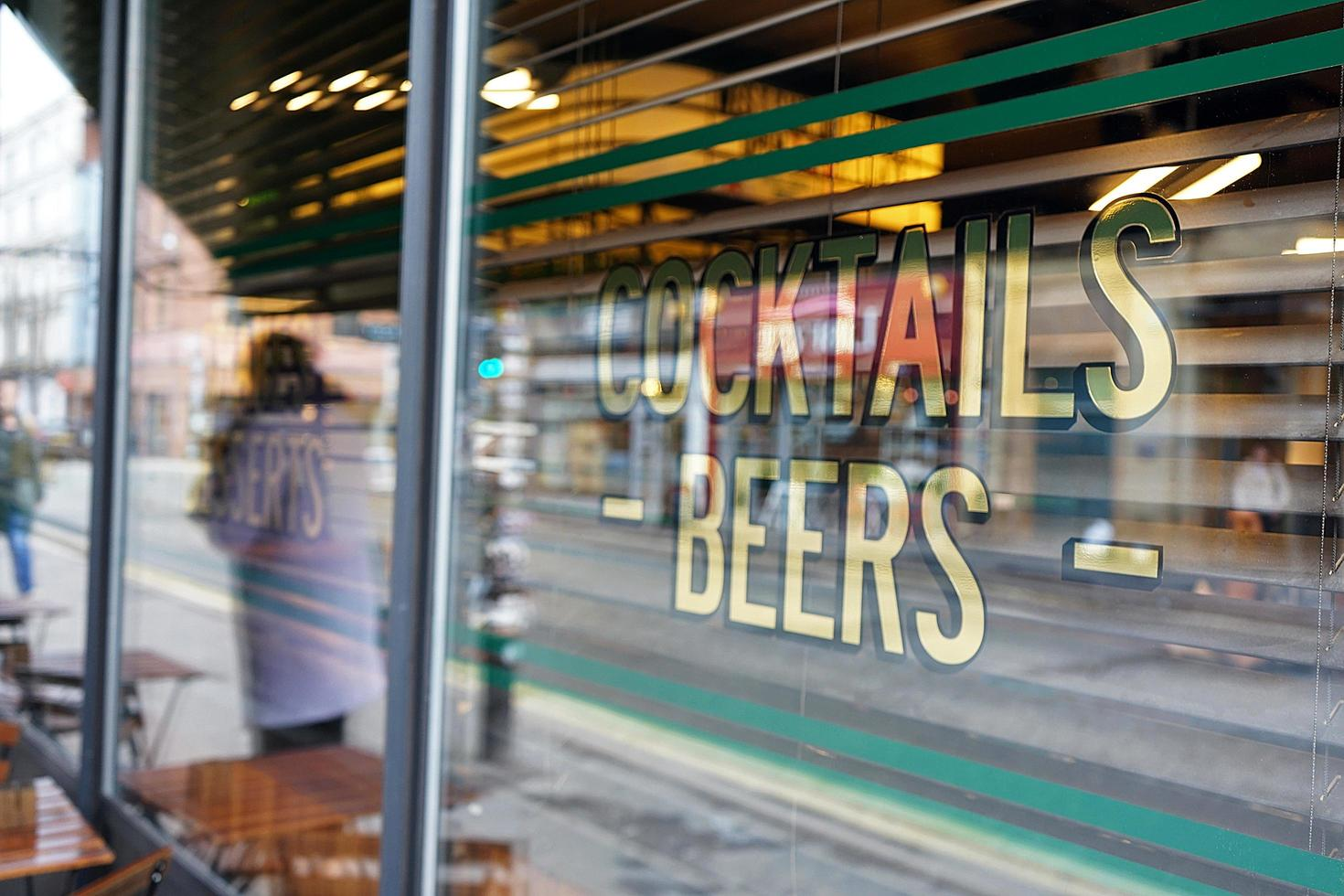 signe pour cocktails et bière photo