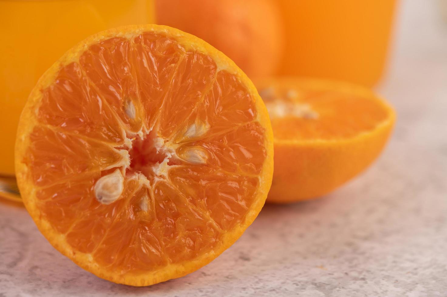 gros plan d'une orange photo