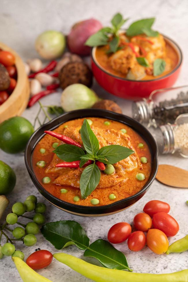 poulet au curry rouge photo
