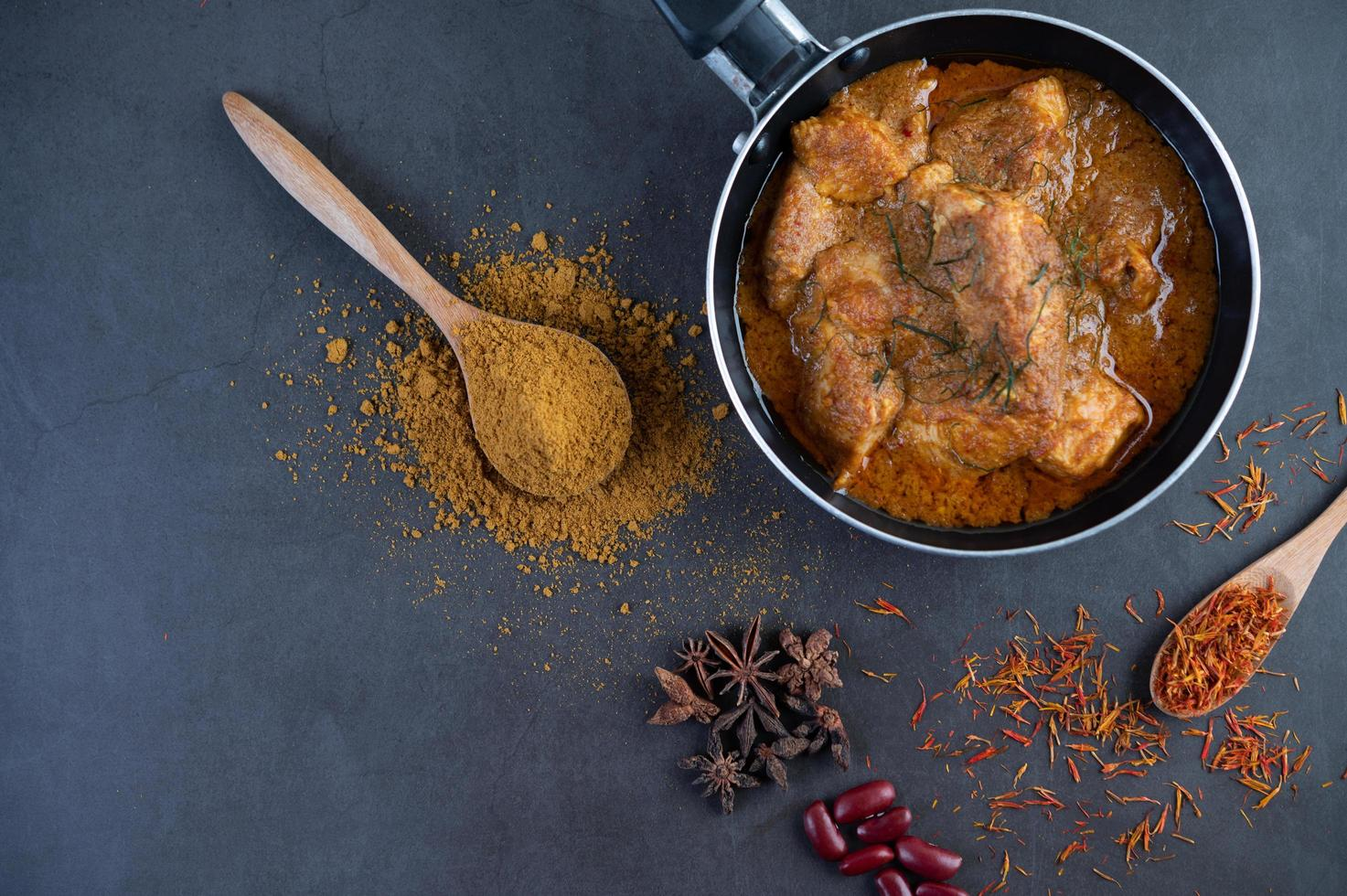 curry massaman thaï photo