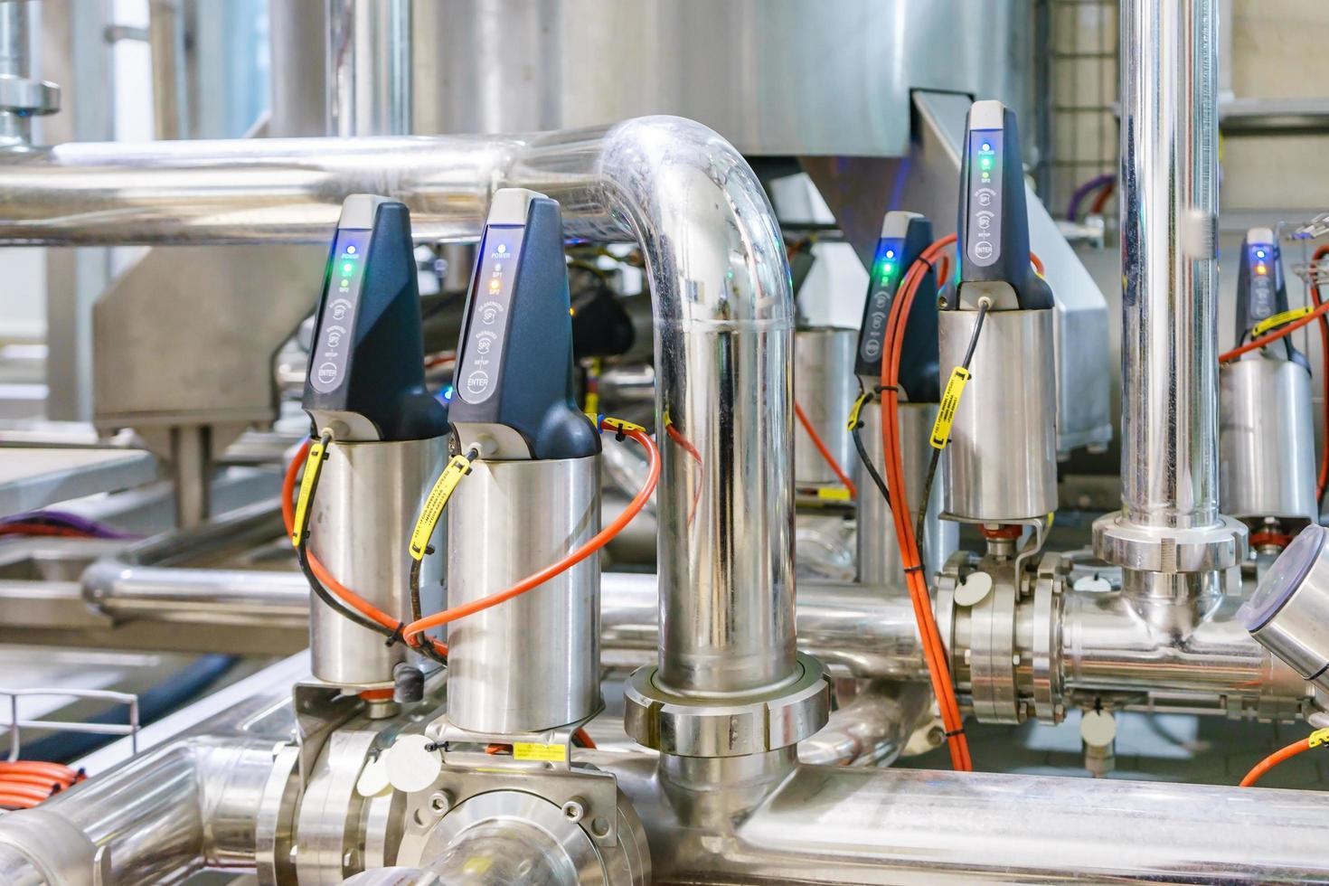tuyaux d'équipement d'usine industrielle photo