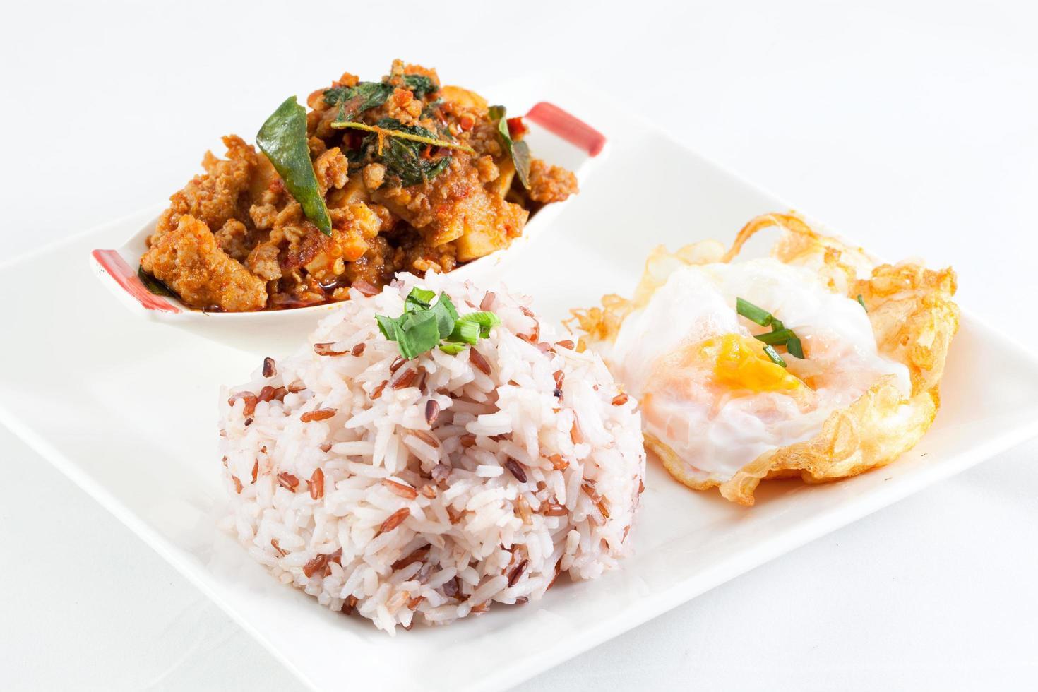 nourriture thaï épicée photo