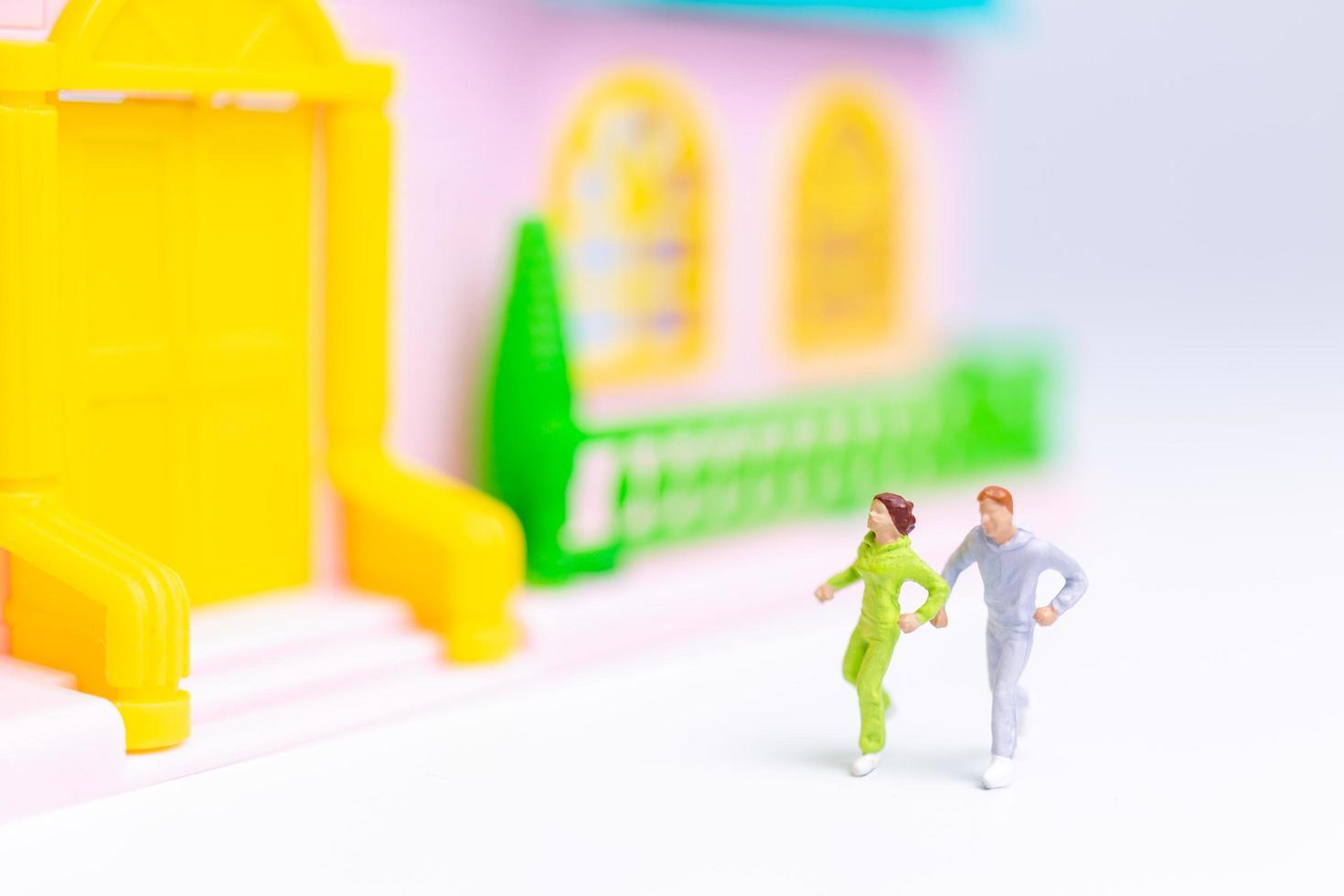 deux figurines en cours d'exécution photo