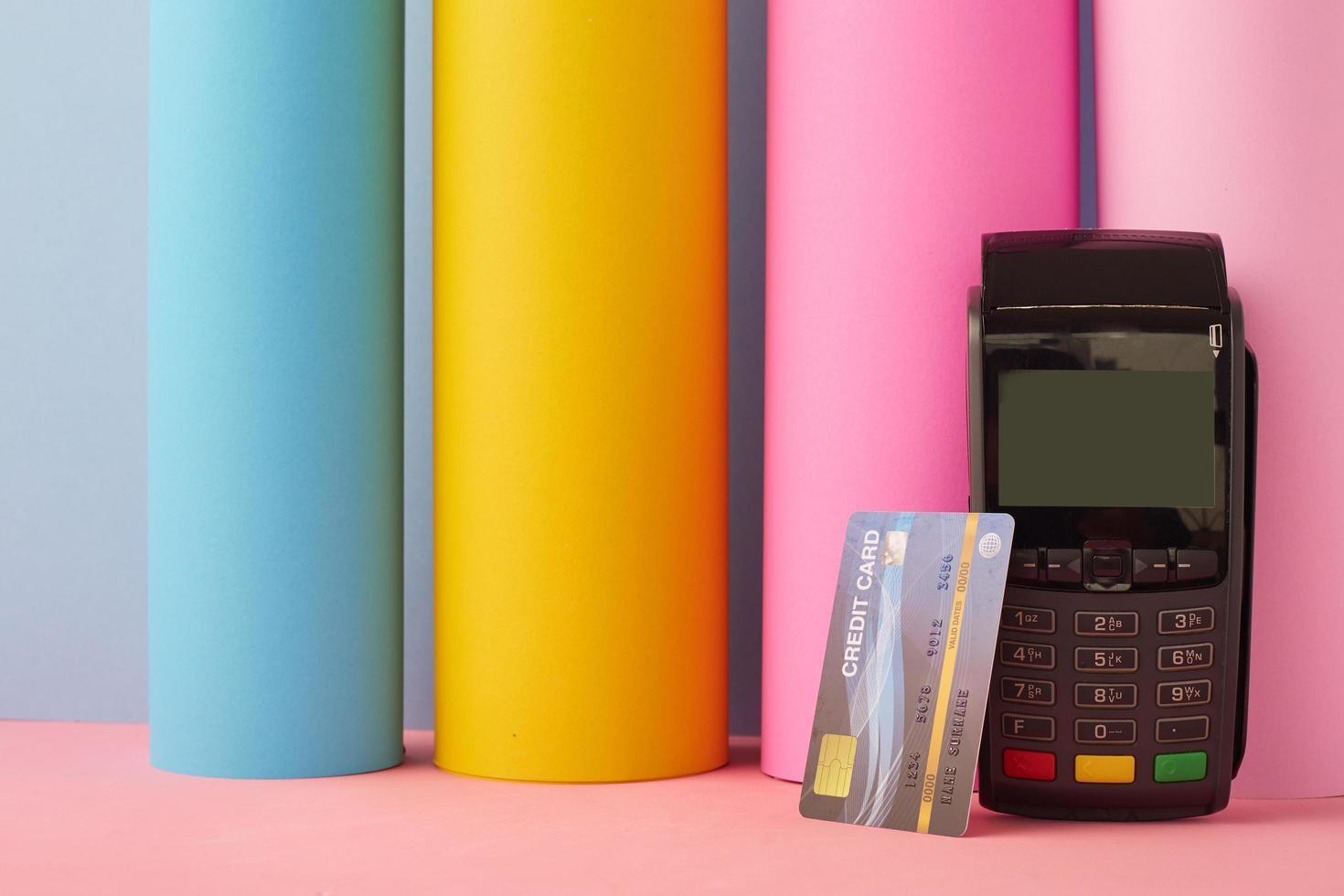 carte de crédit avec machine de crédit photo
